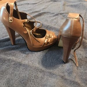 Bakers strappy tan heels
